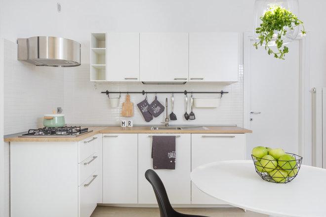 Scandinavian Kitchen by Maurizio Giovannoni Architetto