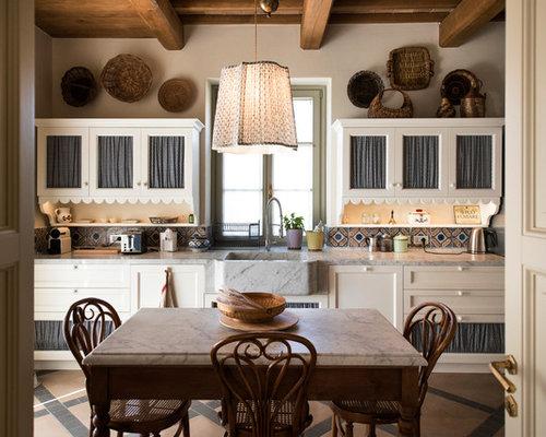 Foto e idee per cucine cucina for Piastrelle paraspruzzi per cucina