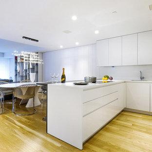 Cucina abitabile con parquet chiaro - Foto e Idee per Ristrutturare ...
