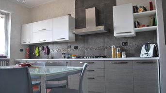 Cucina con antina in polimerico rovere grigio
