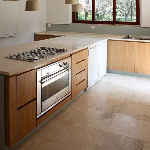 Cucina in pietra di Rapolano chiara