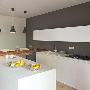 Idee per una cucina contemporanea di medie dimensioni