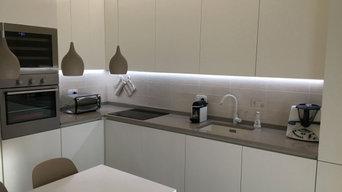 Cucina laccato opaco con top in quarzo
