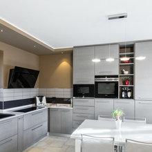 cucina moderna in rovere spazzolato e laccato - Modern ...
