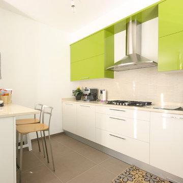 Cucina moderna laccata lucida verde