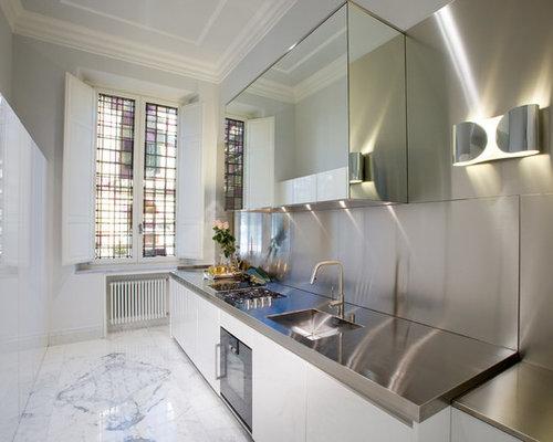 Cucina contemporanea di medie dimensioni foto e idee per