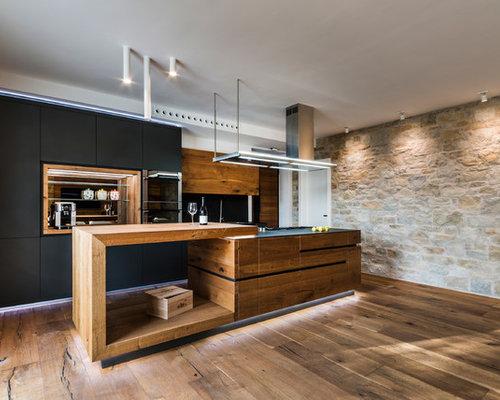 Küchen mit Rückwand aus Schiefer in Italien Ideen, Design & Bilder ...