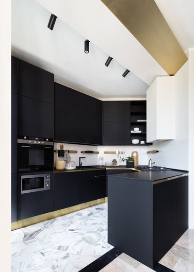 Contemporary Kitchen by Riccardo Gasperoni