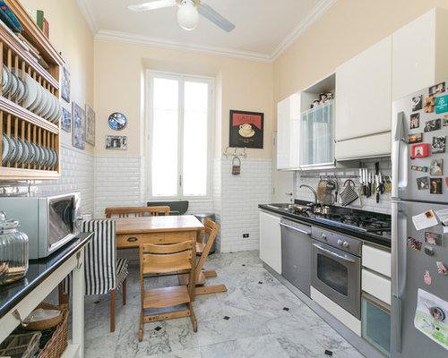 Foto e idee per cucine cucina con pavimento in marmo - Piastrelle diamantate cucina ...
