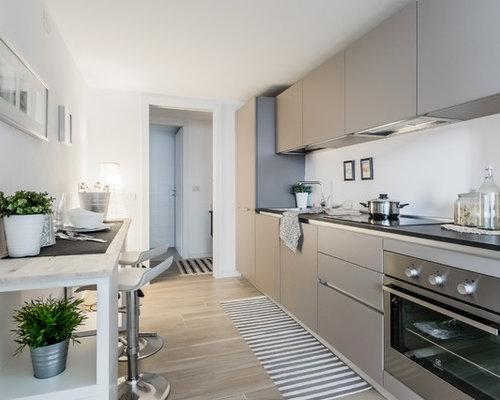 Cucina abitabile con pavimento in gres porcellanato - Foto e Idee ...