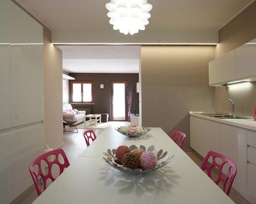 cuisine avec une cr dence rose et b ton au sol photos et id es d co de cuisines. Black Bedroom Furniture Sets. Home Design Ideas