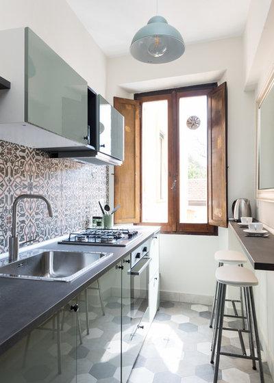 Mediterranean Kitchen by Caterina Raddi Architetto