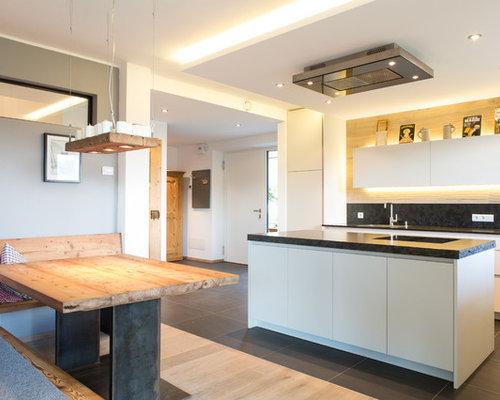 Foto e idee per cucine cucina in montagna for Tre erre arredamenti