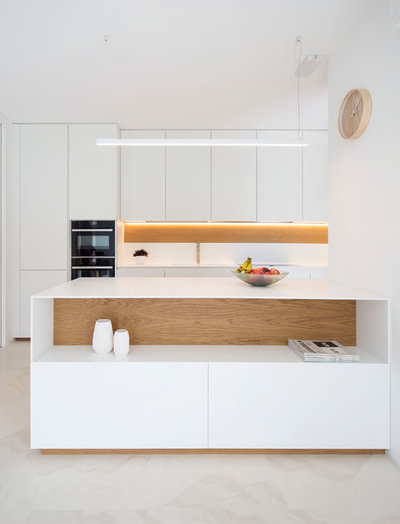 Contemporary Kitchen by Didonè Comacchio Architects