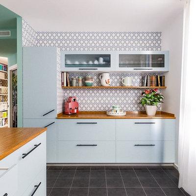 Beach Style Kitchen by Liadesign
