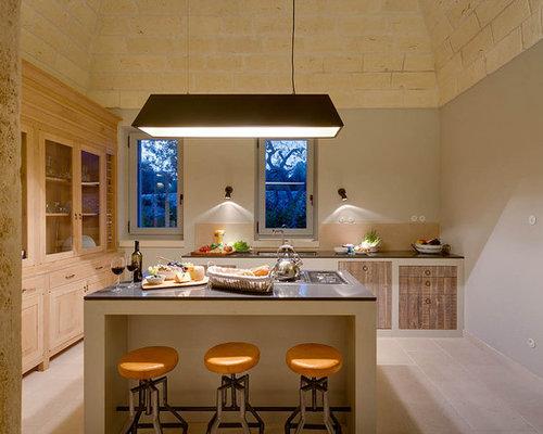 Cucina a corridoio con ante in legno chiaro - Foto e Idee per ...