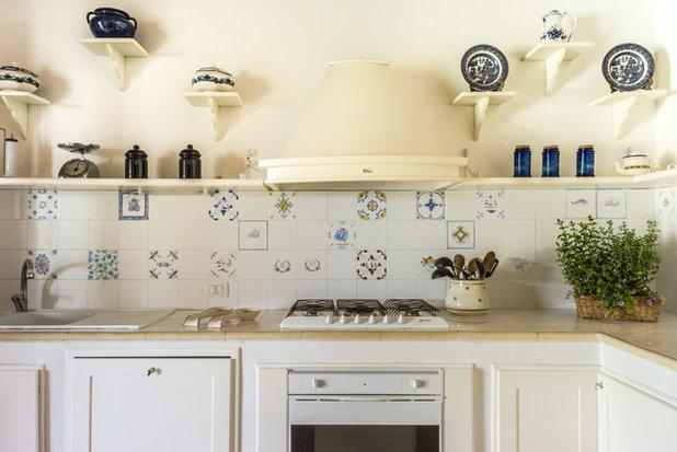 Mediterraneo Cucina by cristina mecatti interiors