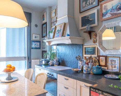 k chen mit r ckwand aus schiefer und marmor arbeitsplatte ideen design bilder houzz. Black Bedroom Furniture Sets. Home Design Ideas