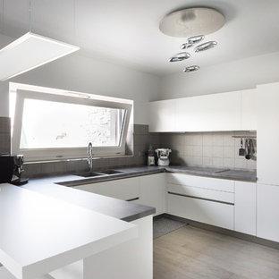 Küchen mit dunklem Holzboden in Italien Ideen, Design & Bilder | Houzz