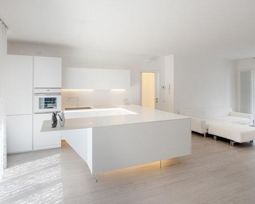 """Ristrutturazione di un appartamento con cucina """"total white"""" ed ..."""