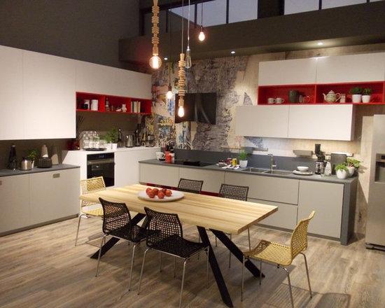 Beautiful Verniciare Mobili Cucina Photos - Ideas & Design 2017 ...