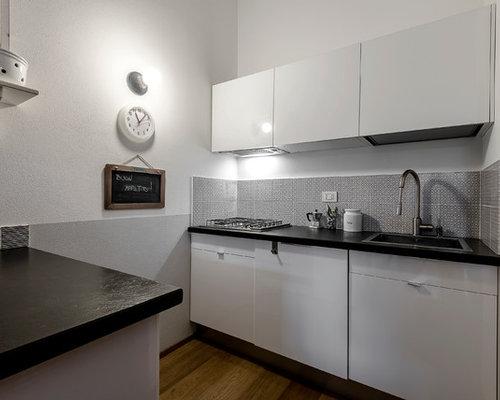 Cucina a corridoio con parquet chiaro - Foto e Idee per ...