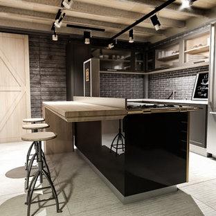 Idéer för ett mellanstort industriellt kök, med en nedsänkt diskho, luckor med infälld panel, grå skåp, bänkskiva i återvunnet glas, rostfria vitvaror, klinkergolv i porslin, en köksö och vitt golv