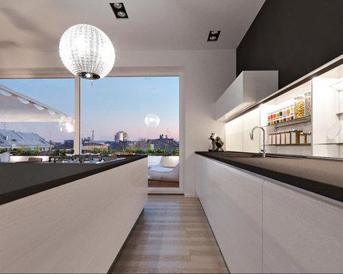 k che mit glasr ckwand und lamellenschr nken ideen bilder. Black Bedroom Furniture Sets. Home Design Ideas