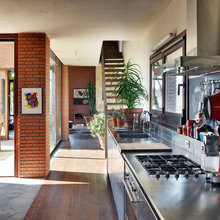 Houzz Tour: Barn Style Gets a Modern Update in Italy
