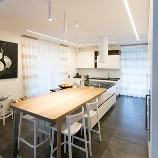 Idee In Cucina Bologna.Cucina Con Top In Quarzo Composito Bologna Foto E Idee Per