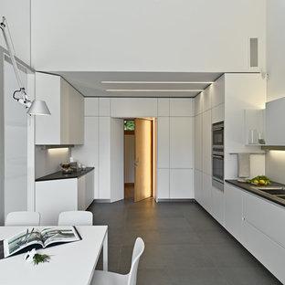 Cucina con pavimento con piastrelle in ceramica Torino - Foto e Idee ...