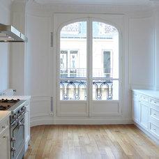 Contemporary Kitchen by A+B KASHA Designs