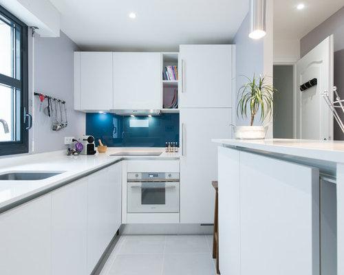 Agencement d 39 une cuisine d 39 angle design moderne finition for Agencement cuisine moderne