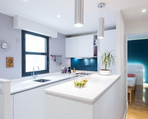 Agencement d 39 une cuisine d 39 angle design moderne finition for Cuisine blanc laque