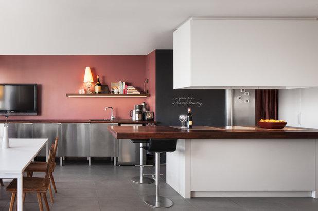20 fa ons de sublimer une cuisine contemporaine avec du noir for Amenagement cuisine contemporaine