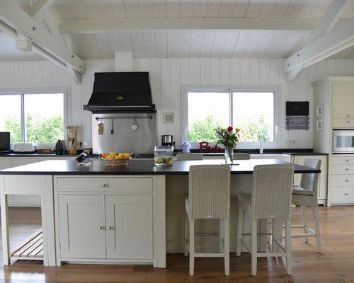 exemple dune grande cuisine ouverte linaire nature avec une crdence grise une crdence