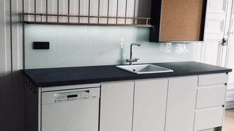 Aménagement sur mesure | Cuisine avec armoire en bois brossé & laqué