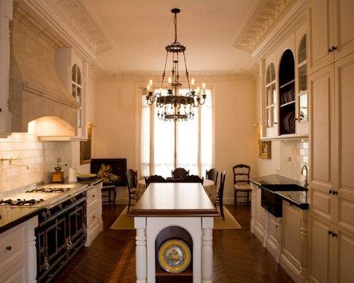 cuisine classique photos et id es d co de cuisines. Black Bedroom Furniture Sets. Home Design Ideas