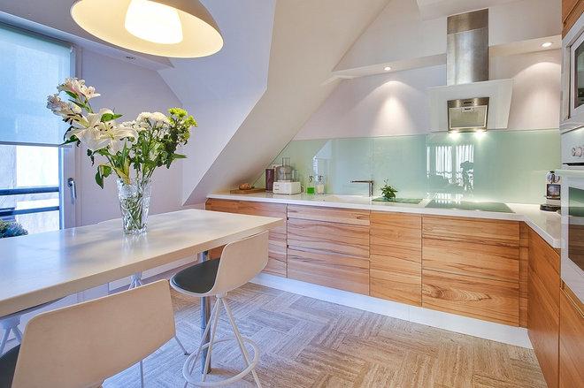 La cucina in legno si rinnova con facilità