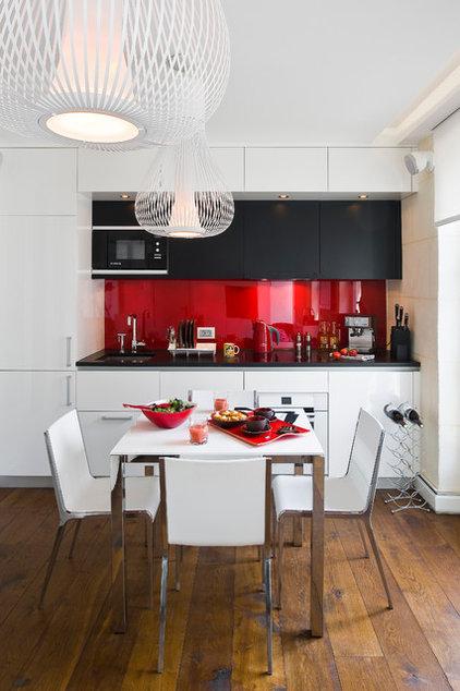 Gain de place une cuisine xavie z dans l entr e pictures for Cuisine xavie z