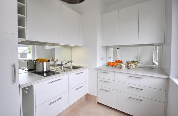 Modern Kitchen by Borella Art Design