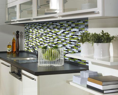 poser un carrelage mural adh sif pour la cuisine. Black Bedroom Furniture Sets. Home Design Ideas