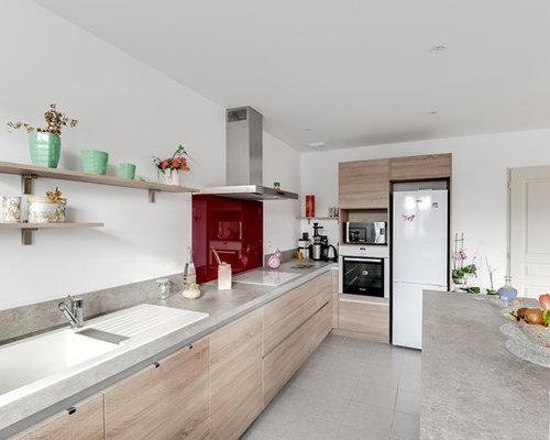 Cucina con pavimento con piastrelle in ceramica tolosa foto e