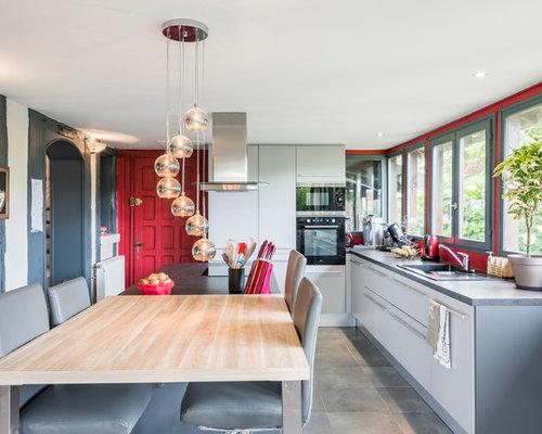 cuisine avec une cr dence en fen tre photos et id es d co de cuisines. Black Bedroom Furniture Sets. Home Design Ideas