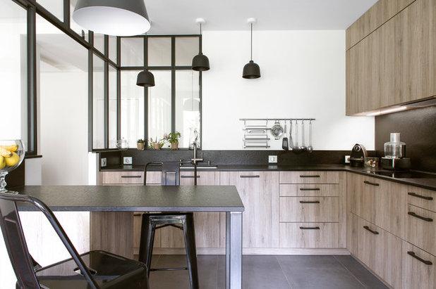 cuisine de la semaine r novation en noir blanc et ch ne. Black Bedroom Furniture Sets. Home Design Ideas