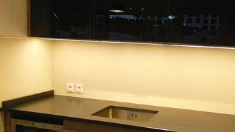Crédence de cuisine en verre laqué sur mesure