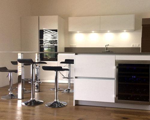 cuisine avec lot central et cave vin int gr e saint andr le gaz. Black Bedroom Furniture Sets. Home Design Ideas