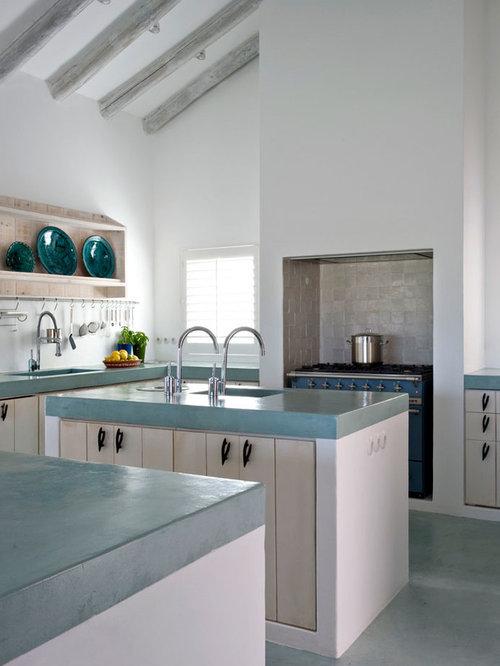 Best farmhouse u shaped kitchen design ideas remodel - Deco maison avec poutre ...
