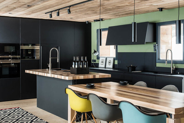Contemporary Kitchen by Café de Balme