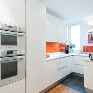 cuisine d'angle totale look blanc avec verrière
